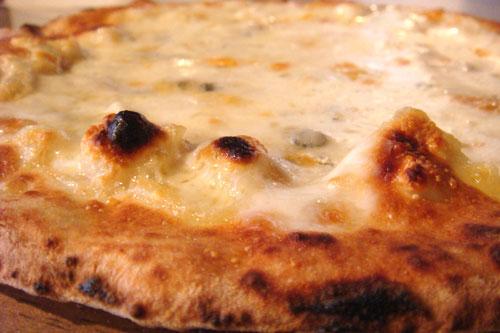 ゴルゴンゾーラのピッツァ